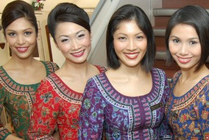 Singapore-Airlines gals