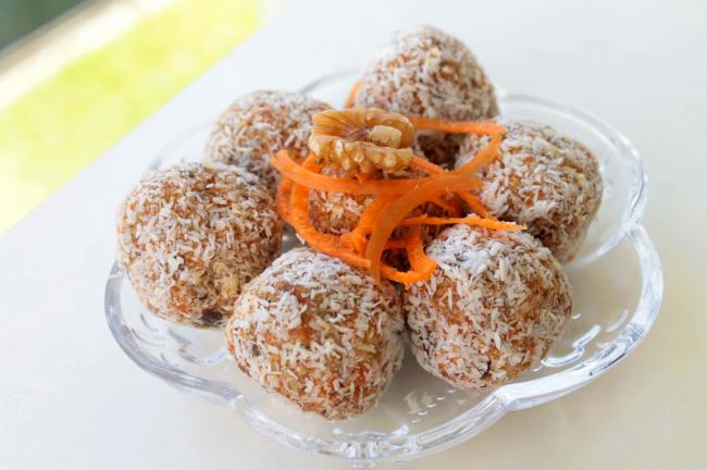 Carrot Cake Energy Bites – Paleo, Vegan, Gluten Free, Dairy Free