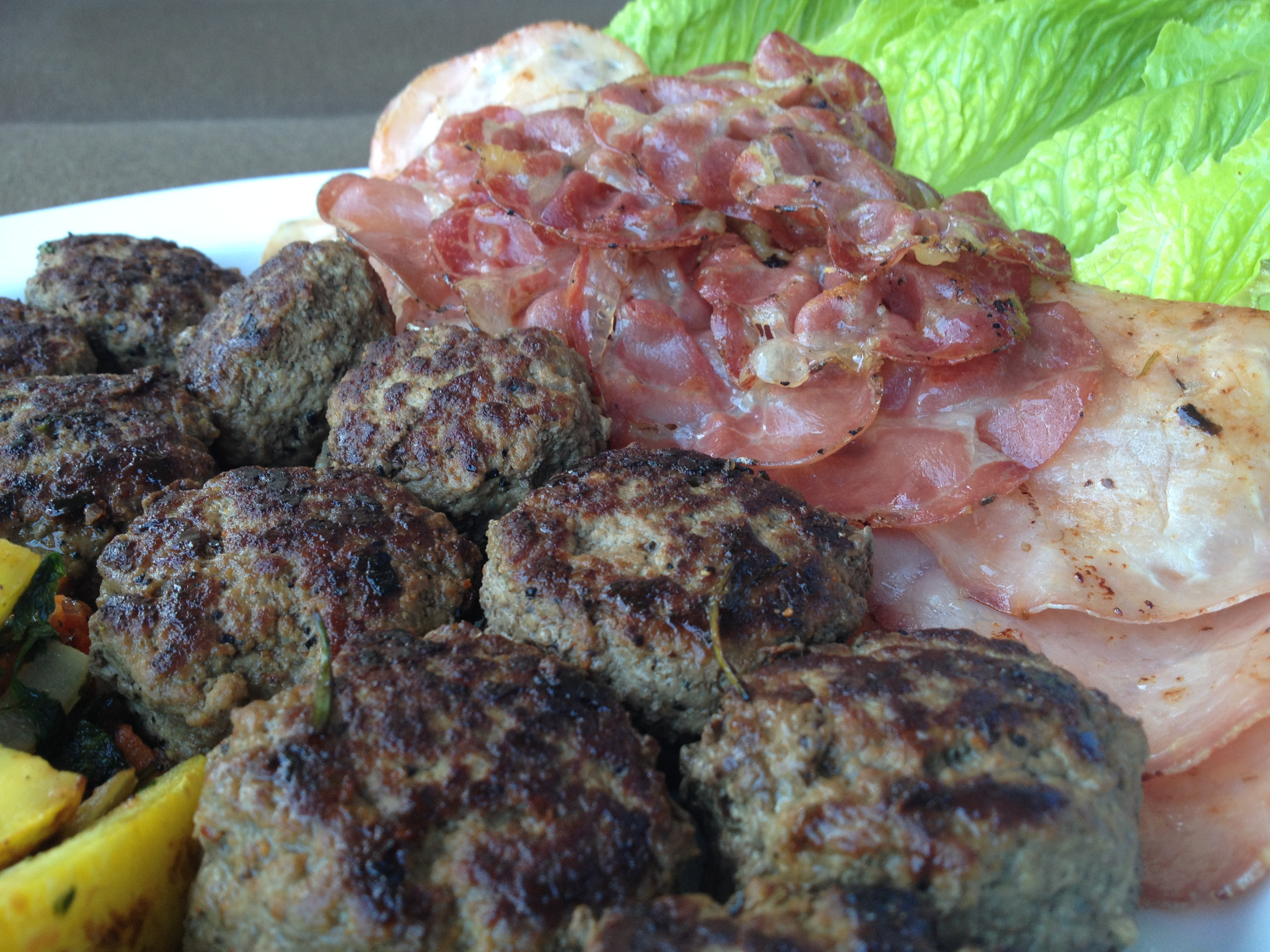 Mini Burgers or Burger Hors doeuvres