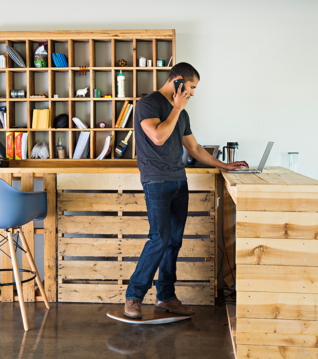 "Stand Up Desk – Get a Fluidstance ""Level""2"