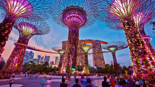 singapore metal trees
