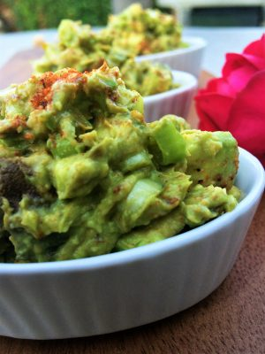 Tandoori guacamole featured