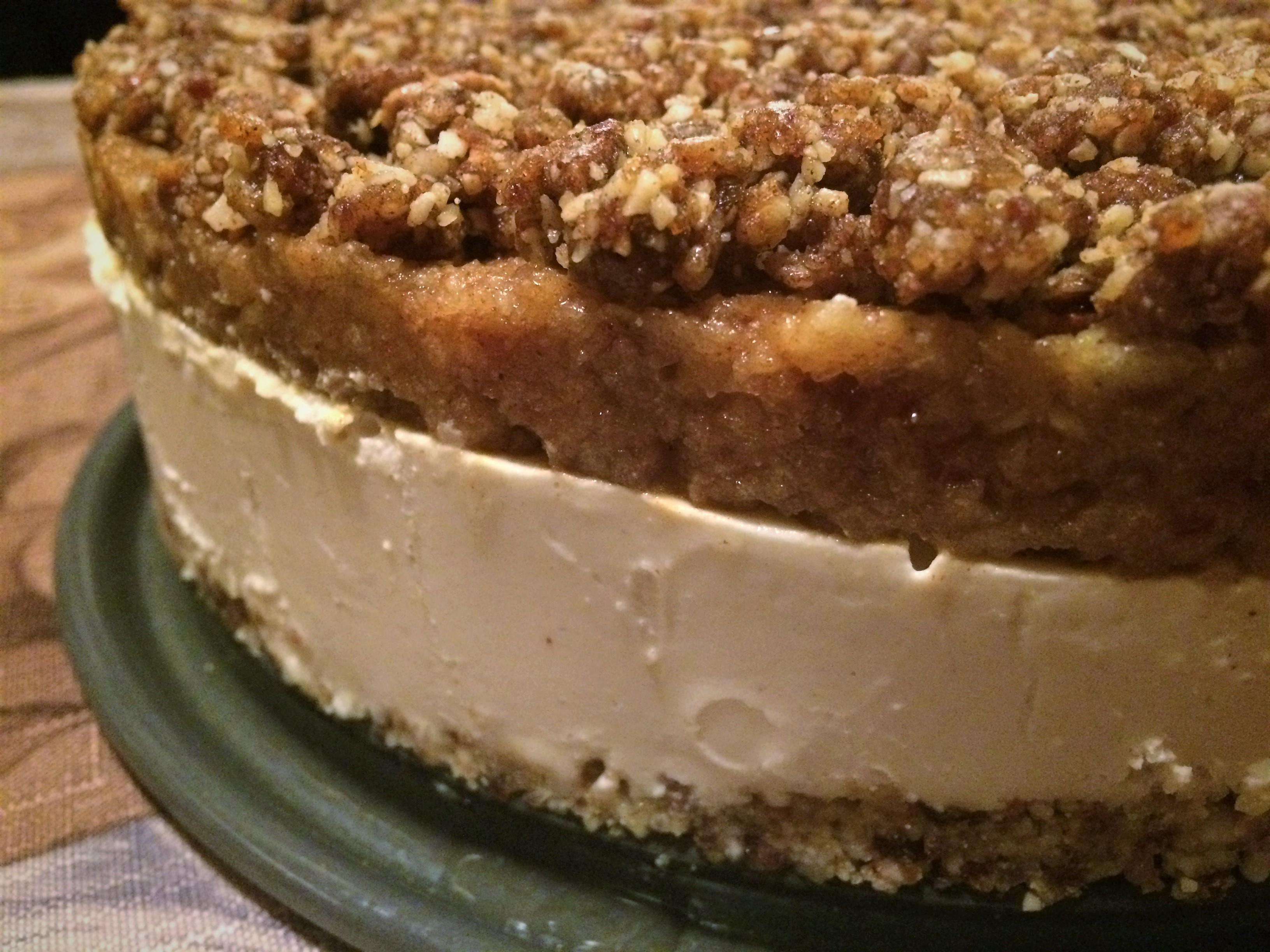 paleo-apple-crumble-cheesecake-2